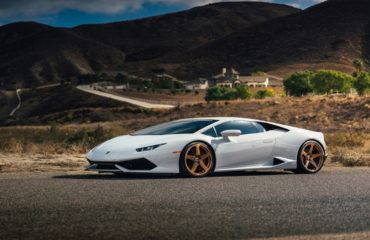 Lamborghini-Huracan-with-Custom-HRE-Classic-305M-1